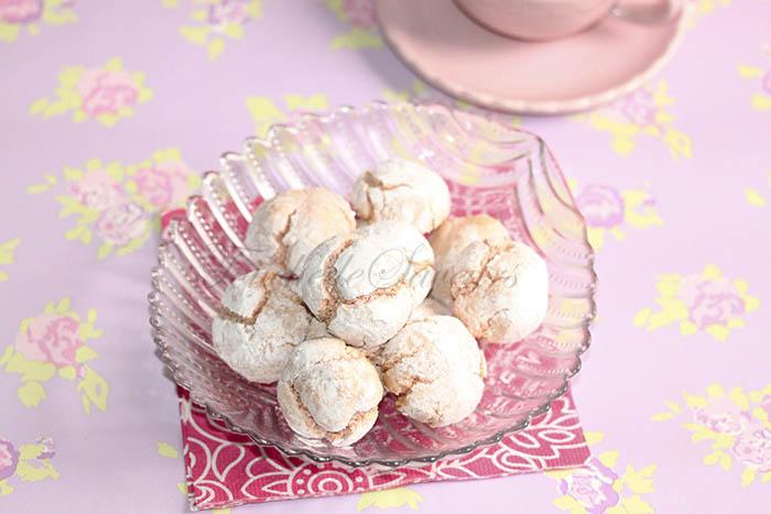 Amarettis biscuits roses