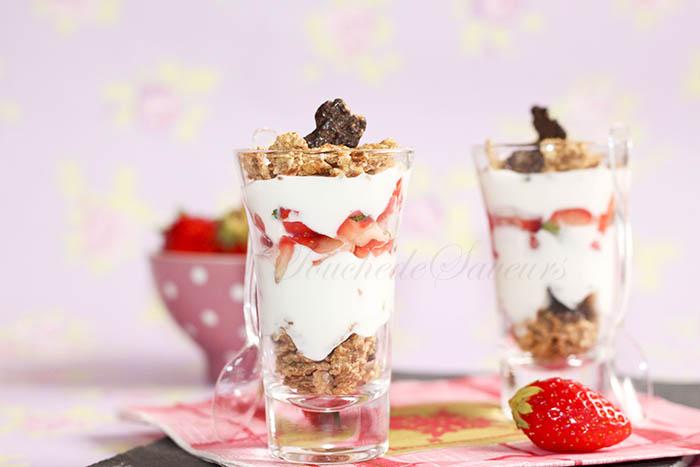 Verrine légère fraise yaourt1