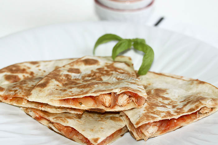 Quesadillas poulet tomate fromage1