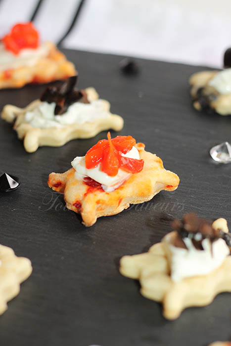 Biscuits salés yaourt poivron olives1