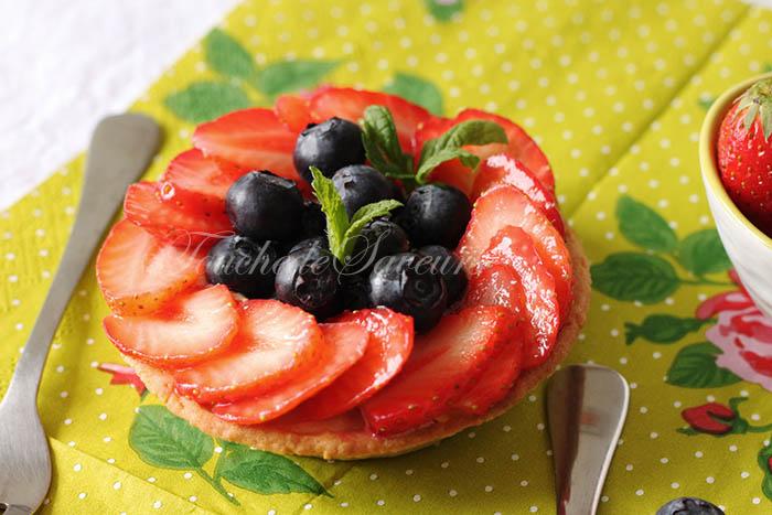 Tartelette fraise myrtille beurre d'amande2
