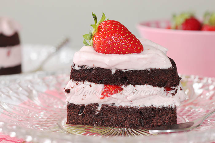 Layer cake chocolat fraise1