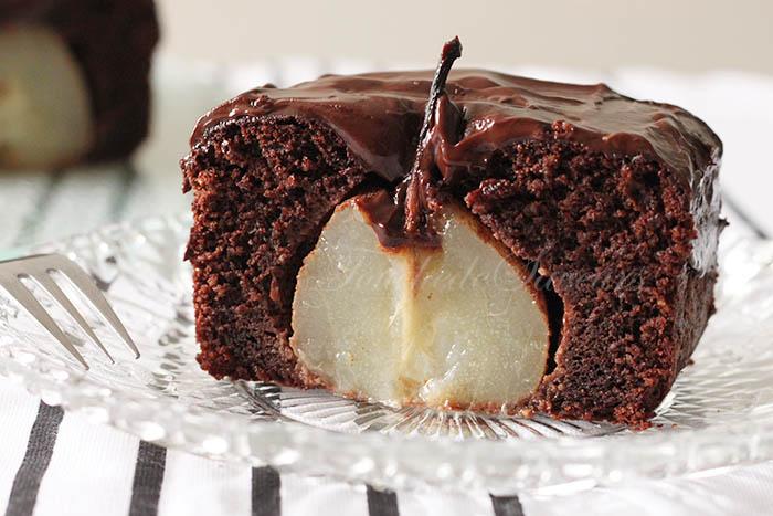 Gâteau chocolat amande poires entières1