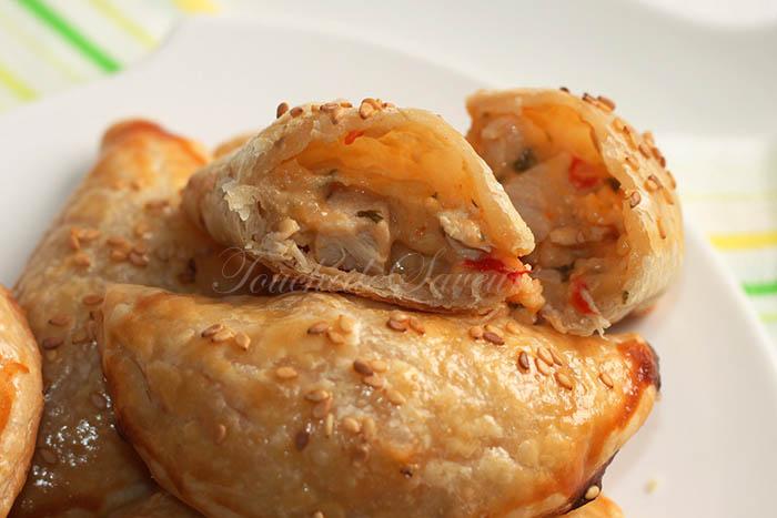 Chaussons feuilletés poulet poivron2