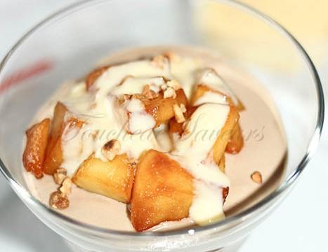 Mousse au chocolat au lait et pommes caramélisées