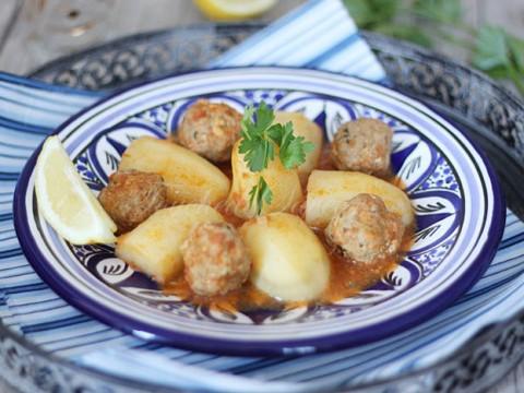 Pommes de terre et boulettes au cumin1