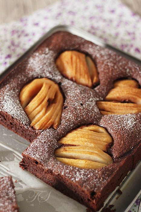 almond-chocolate-pear-cake5